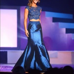 Dresses & Skirts - Pageant / Prom / Evening Gown